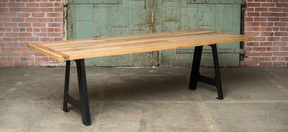 Incroyable A Frame Oak Table
